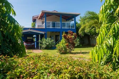 Beautiful 2 Story Cozy Beach House