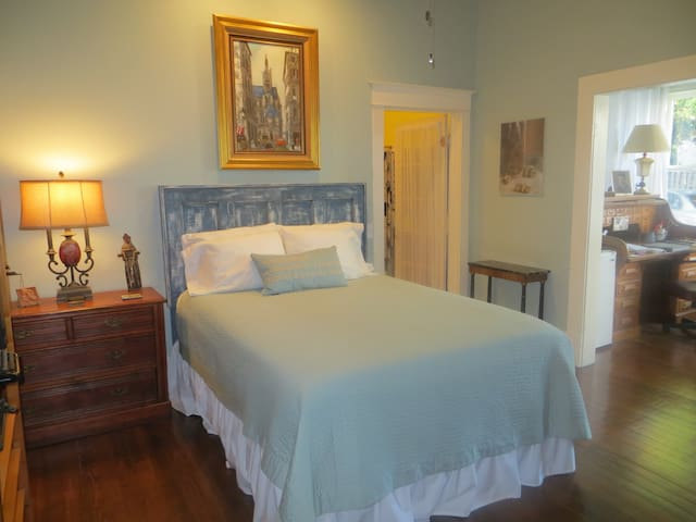 Comfortable Queen size bed with fresh linens.