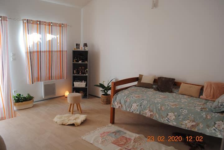 Belle chambre privée dans maison à la campagne