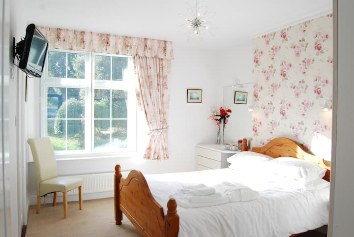 Deluxe Double w/ Breakfast - Lower Winsford B&B