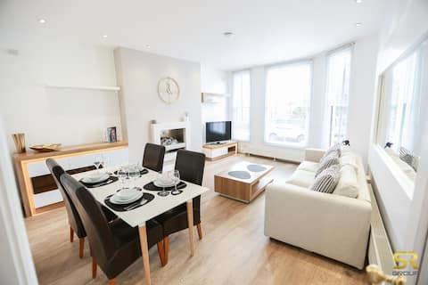 Stylish 1 bed apartment in town centre