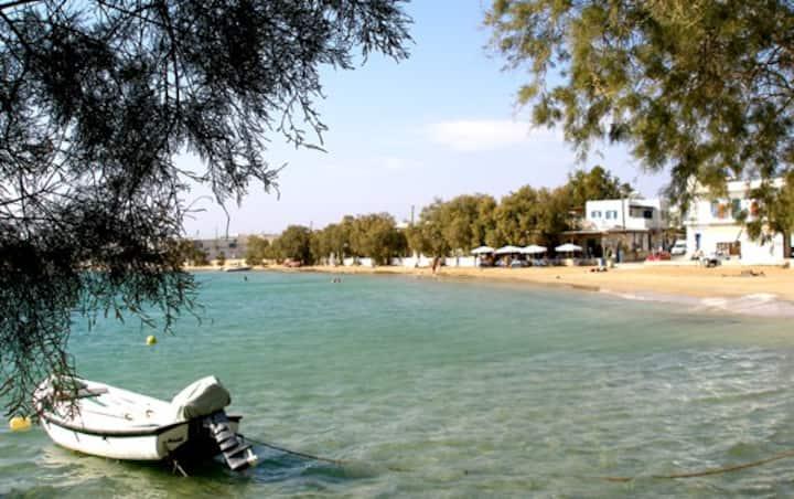 Charming Beach Apartment, 50 Steps to the Aegean