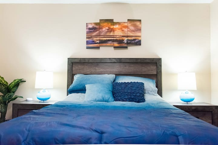 Luxury High-Tech Condo in Old Town Scottsdale