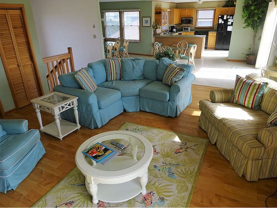 Large, comfortable living room