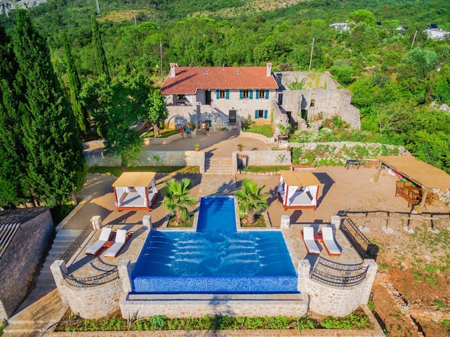 "Old Stone Villa With Swimming Pool - ""Talici Hill"" - Sutomore"