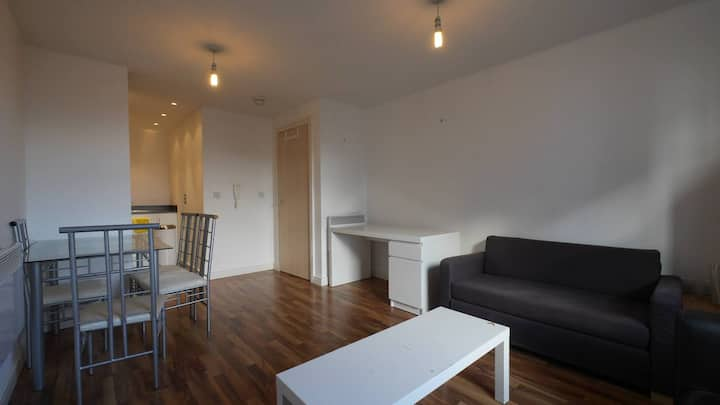 Perfect Location & Fully Disinfected 1 Bed Apt