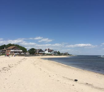 North Fork Wine Country Peconic Bay Getaway - 里弗黑德(Riverhead) - 独立屋