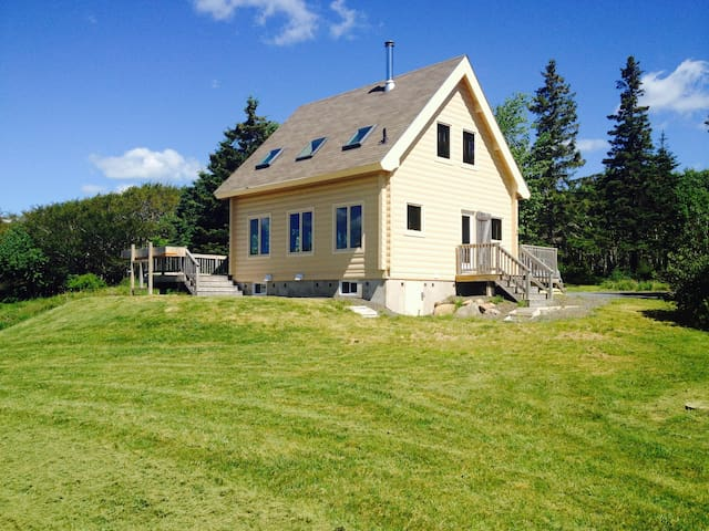 Private Ocean View Chalet 5 minutes from Lunenburg