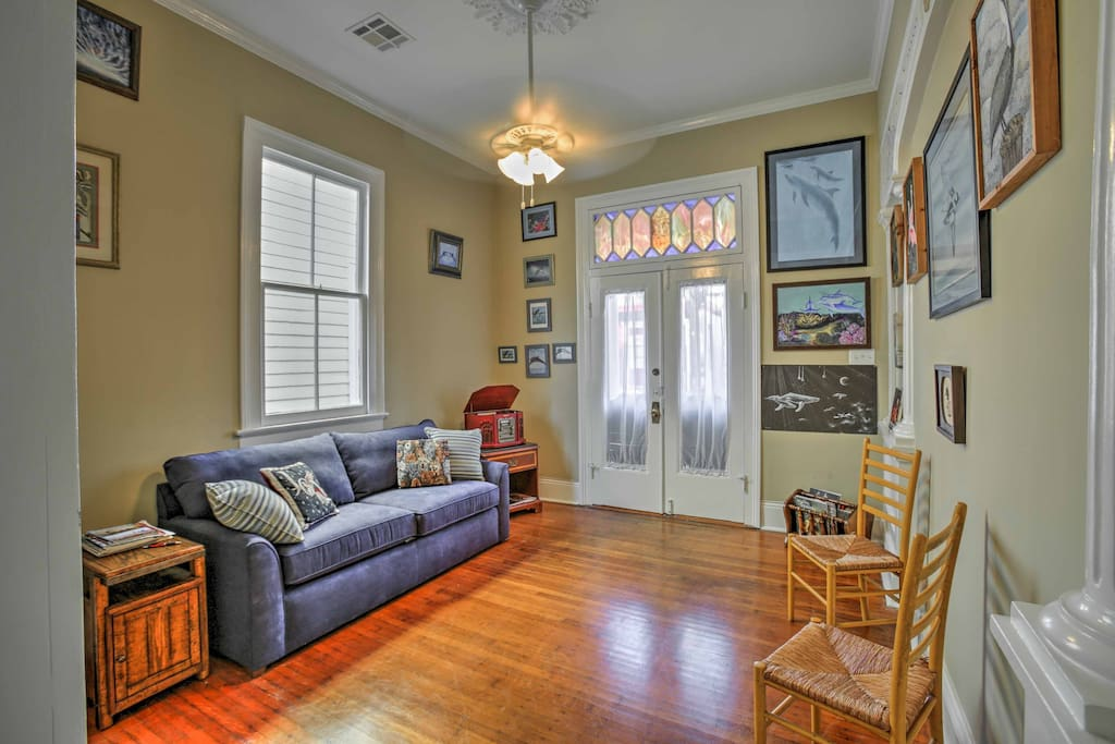 New Orleans awaits at this lovely 1-bedroom, 1-bathroom home.