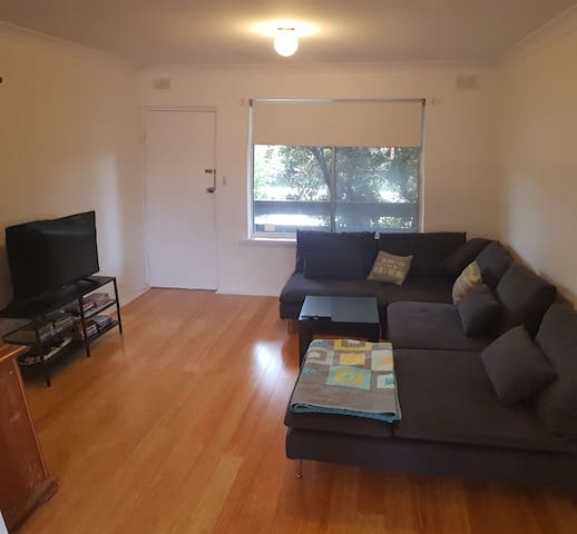 Glenelg East Apartment