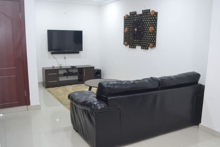 One bedroom apartment with pool and gym