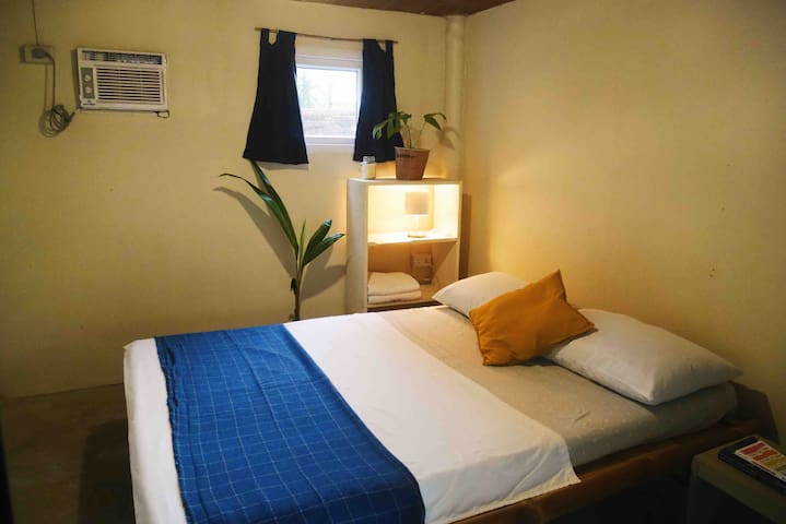 Private AC Room for 2 in General Luna