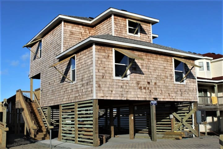 Whalebone Oceanfront 3 Bedroom Cottage C
