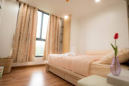 BTS Ekamai 5min Luxury 2 Bedroom