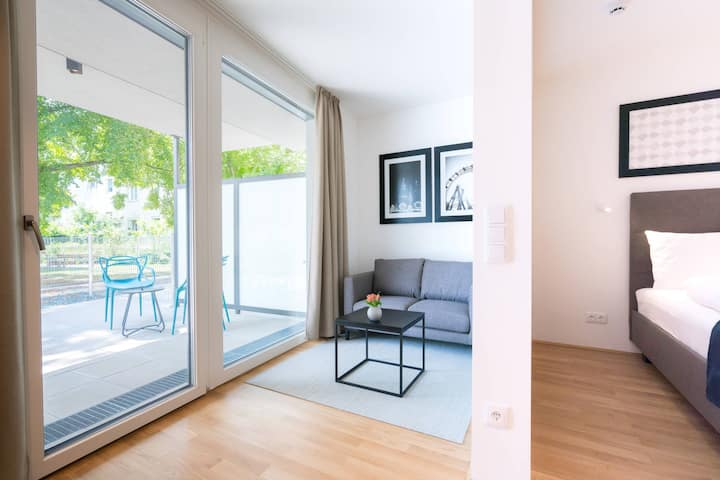Vienna Residence | Modern business apartment with bathtub, shower, air conditioning and garden #6363