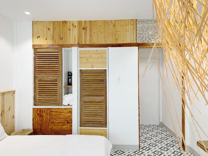 Naples Studio Apartment 306 ( 2Beds )