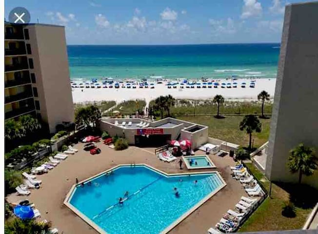 BEAUTIFUL BEACHSIDE STUDIO CONDO PANAMA CITY BEACH