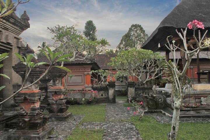 1BR Sikut Satak House