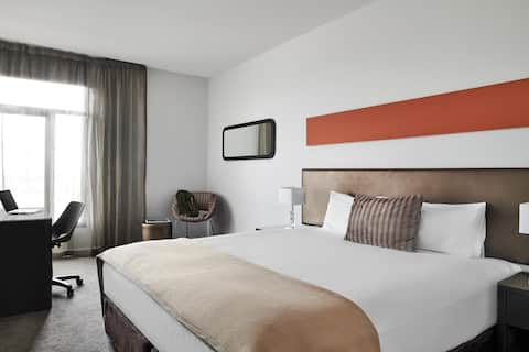 Dandenong King Room - 14+ Nights