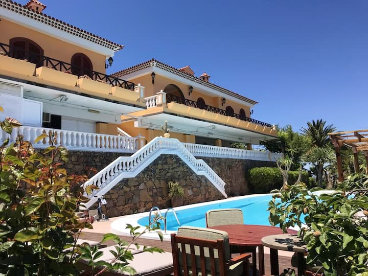 House with 3 bedrooms in Tejeda, with wonderful mountain view, shared pool, enclosed garden - 30 km from the beach