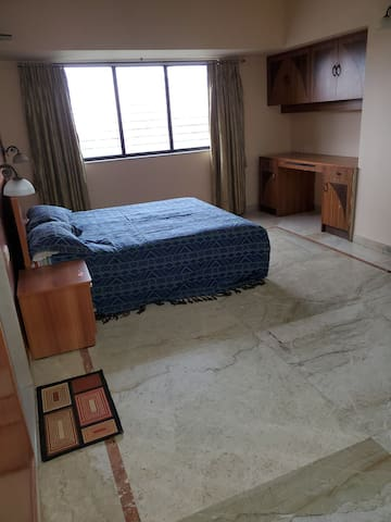 Huge Private Room-17th Fl-High Rise Twr Andheri W