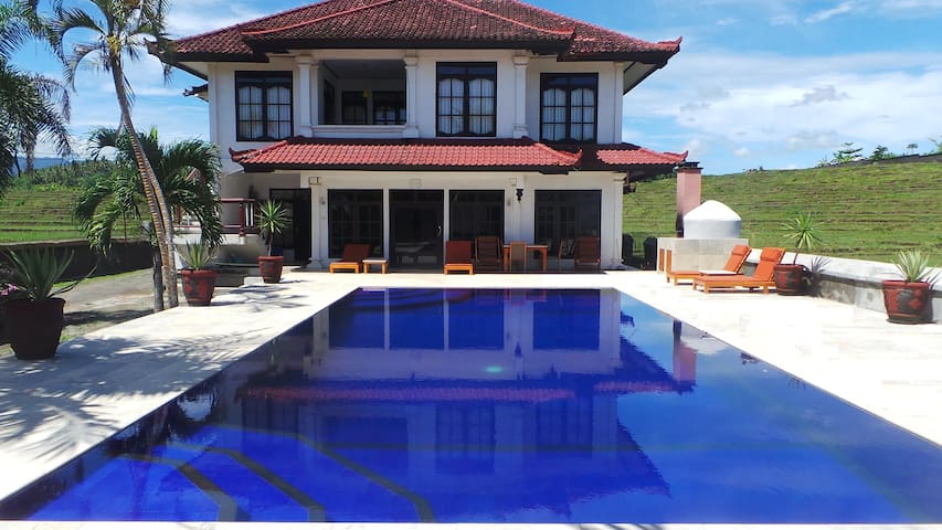 Medewi Manor: Surfers Heaven, Best Private Accom. - Apartamento