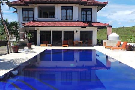 Medewi Manor: Surfers Heaven: Pool View Apartment.