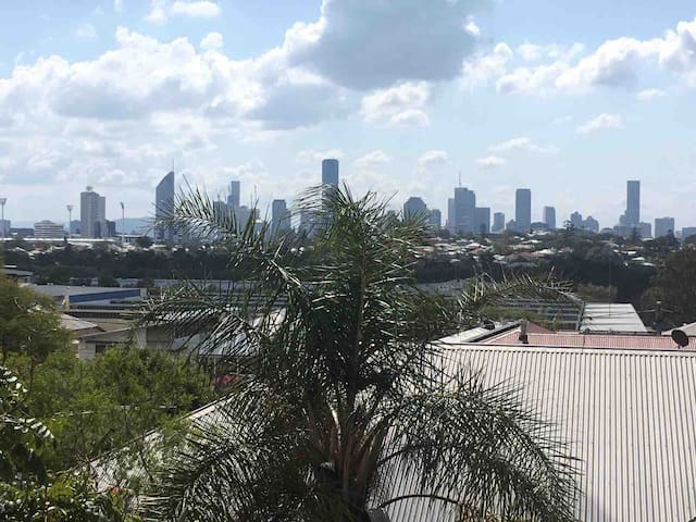 Coorparoo with city views