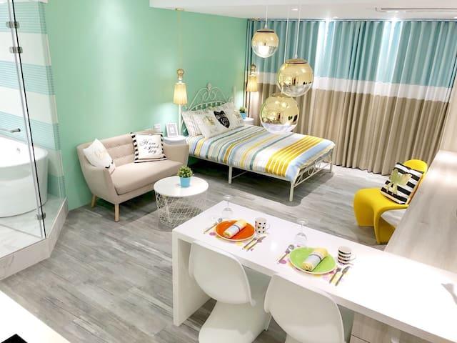DorisCD Design Studio Washer/Dryer/TV