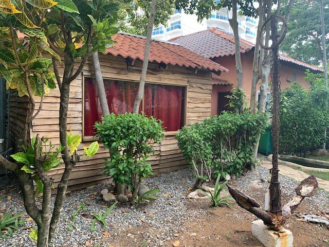 Little Wood House ♥️♥️ La Casita de Madera 🏡 🏡