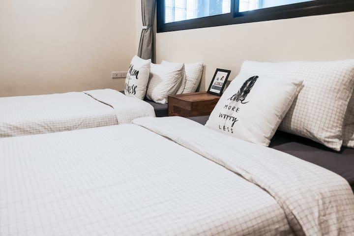 (卧4)二楼次卧,相对独立的床上空间