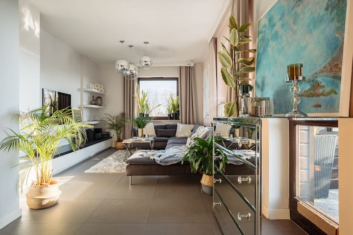 Beautifully designed apartment with incredible terrace next to parks&centre