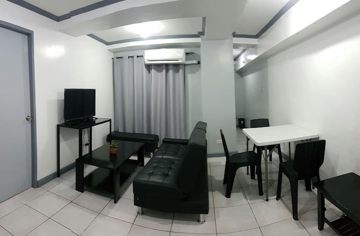 AFFORDABLE AND CLEAN 2BR UNIT WITH BALCONY - Pasay - Kondominium