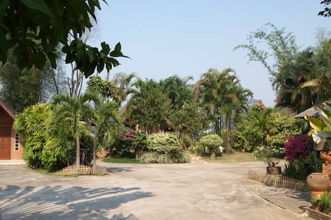 Inexpensive Rooms To Rent At A Peaceful Resort