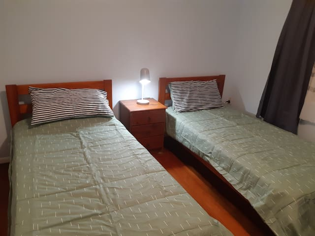 Private room ,two single bed join or separate