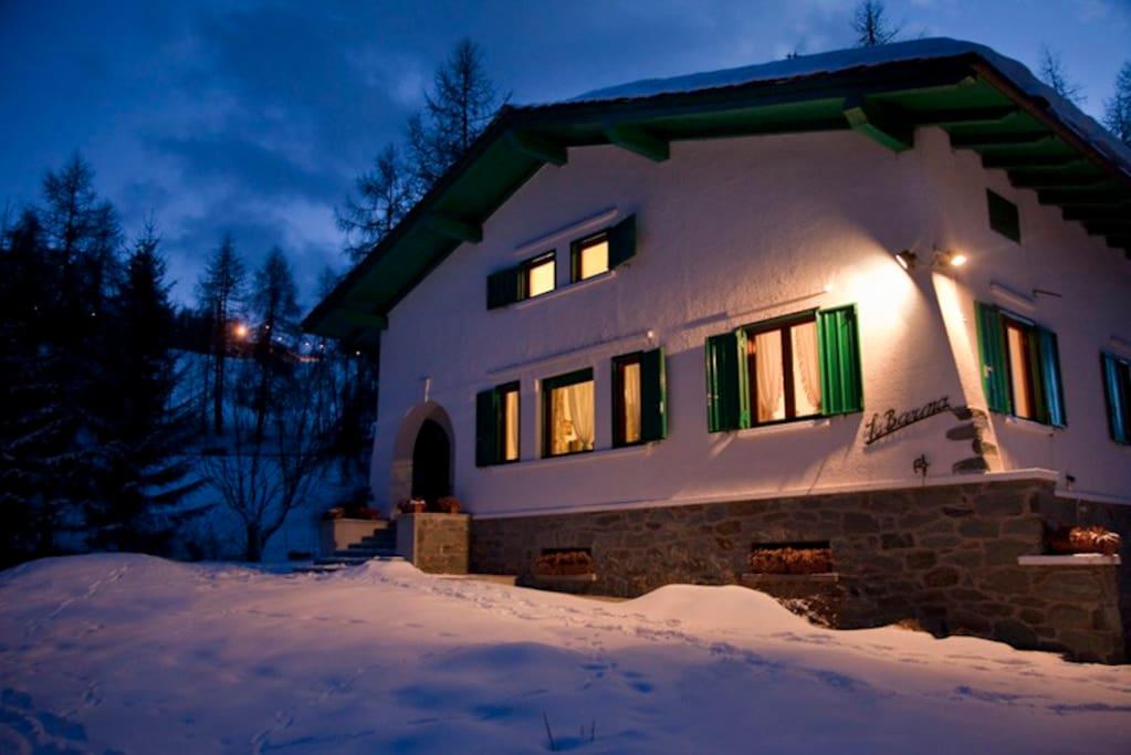 Esterno notte invernale
