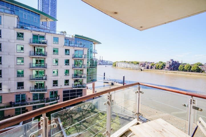 River Thames  View Apartment