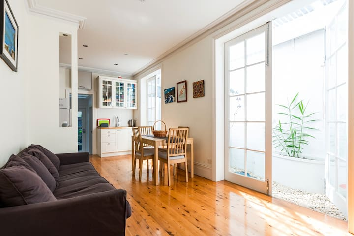 Charming 2BR Family Home ☆ Close To University