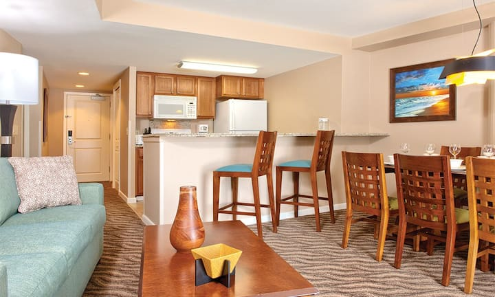 Club Wyndham Waikiki Beach Walk 1 Bedroom Condo