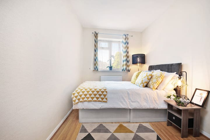 Brand New  Bedroom In Chiswick (3)