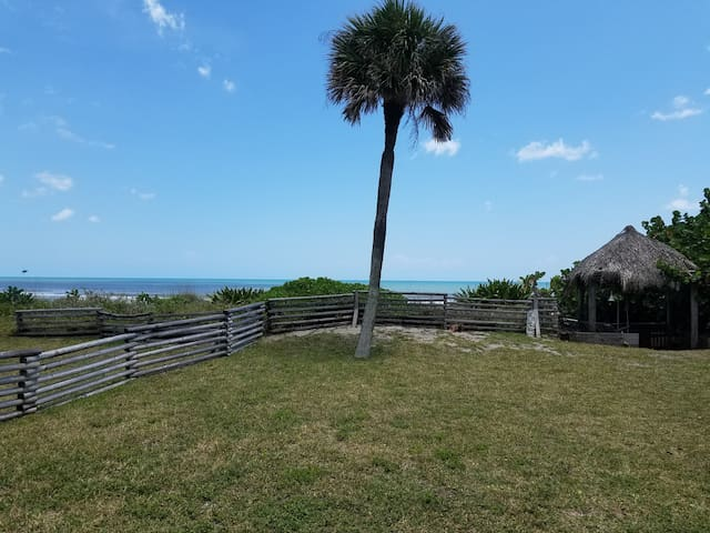 3br 2.5 bath House ON BEACH for family vacations