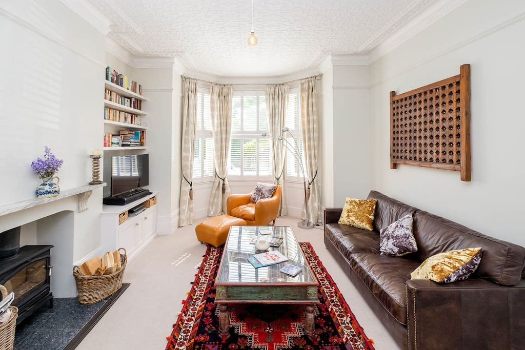 """Guest reviews - """"Parking was easy down the middle of the street with unlimited time on parking for reasonable prices. The house itself is beautifully presented"""""""