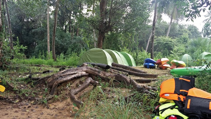 KayakBoy: Camp Next To River Bank