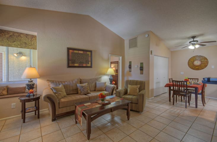 PEACEFUL Location: Golf, Spring Training, Hiking/Biking, Tubing; Comm Pool/Spa