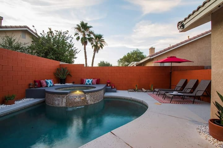 Desert Bohemian Vibe Vacation - Pool & Game room!!