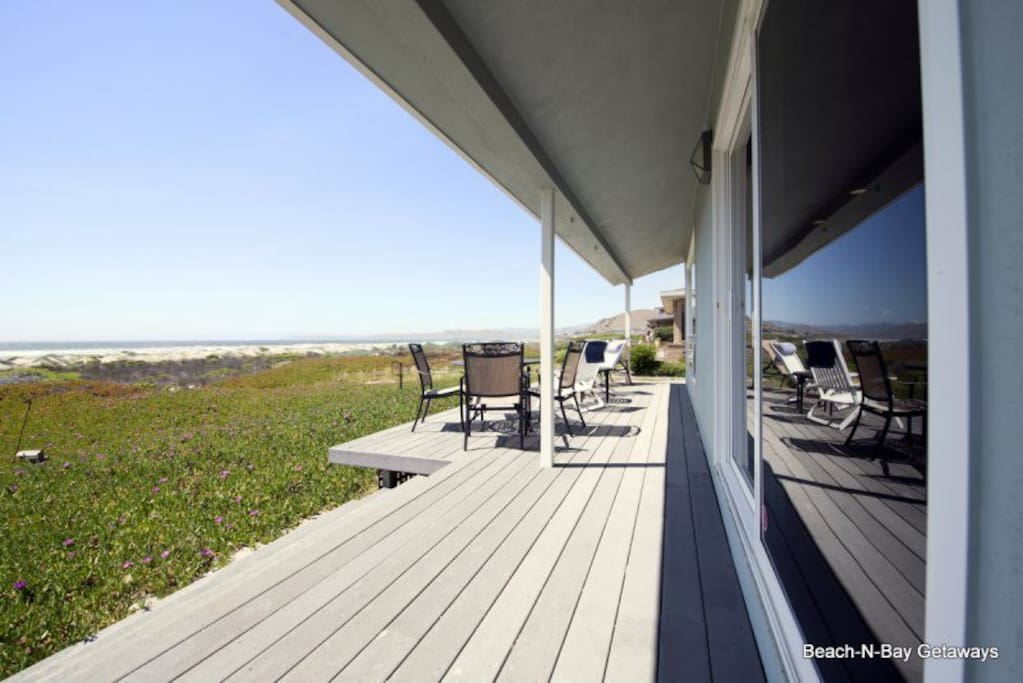 You wont want to go home after spending your days hanging out on this deck.