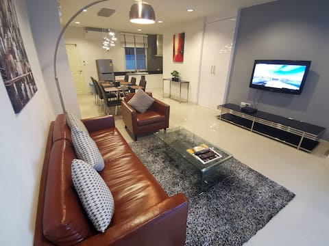 Ej Holiday Homes - Modern contemporary (unit 5)