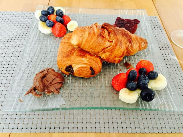 Cosy room with breakfast in town centre - Royal Leamington Spa - Leilighet