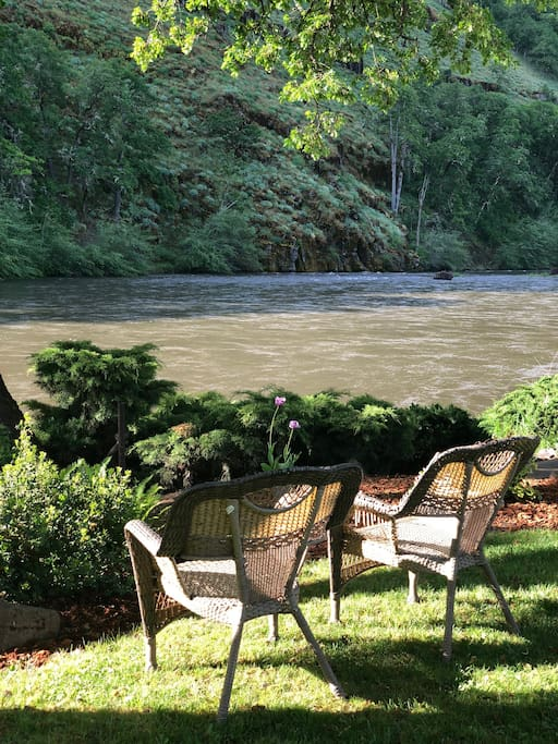 Start your day on the River!