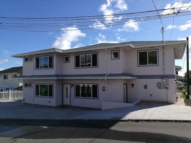 The Cheapest Of 2 Bedr 800sqft New Honolulu House1
